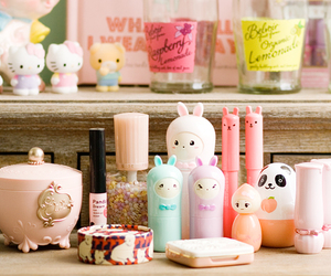 kawaii, pink, and cosmetics image