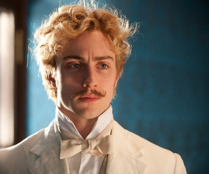anna karenina, vronsky, and aaron taylor-johnson image