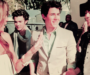 niley, kevin jonas, and miley cyrus image