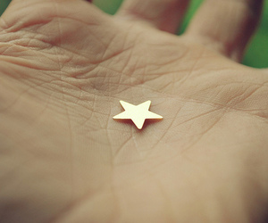 hand and star image