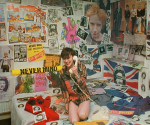 sex pistols, bedroom, and girl image