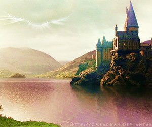 doctor who, harry potter, and hogwarts image