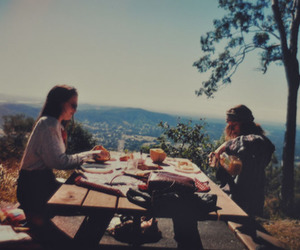 girl, vintage, and picnic image