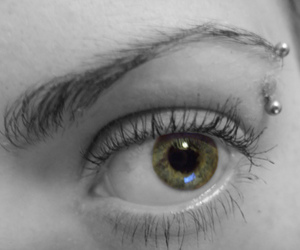 eyebrow piercing, green, and pretty image