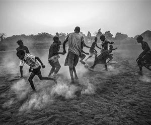 black and white, world press photo, and guiné-bissau image