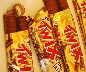 food, chocolate, and Twix image