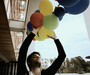 balloons and guy image