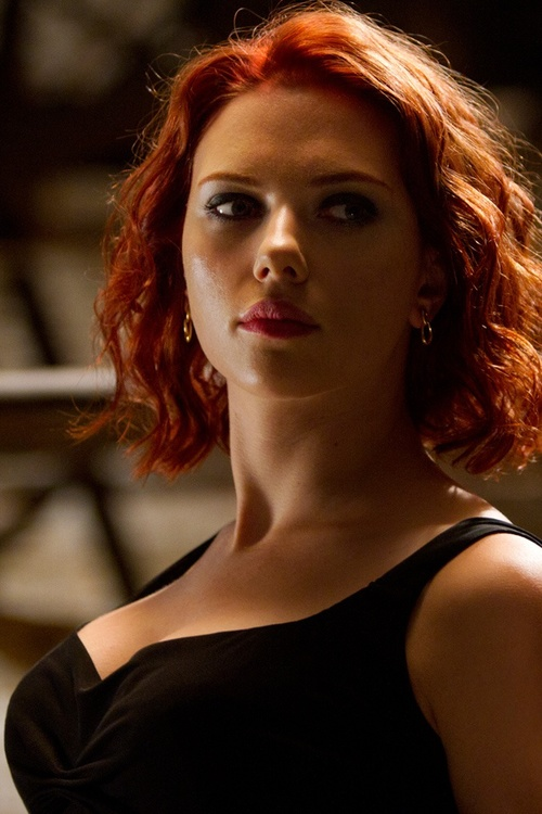 Scarlett-johansson-the-avengers-640x960_large