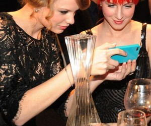 hayley williams, Taylor Swift, and paramore image