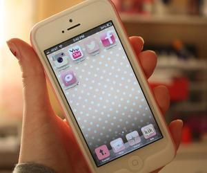 iphone, pink, and girl image
