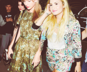 demi lovato and Taylor Swift image