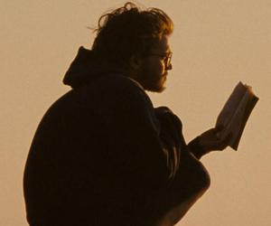 christopher mccandless, reading, and alexander supertramp image