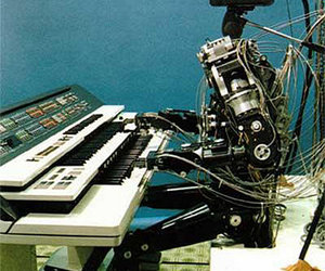 keys, robot, and synth image