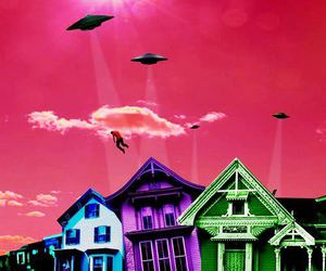 alien, house, and psychedelic image