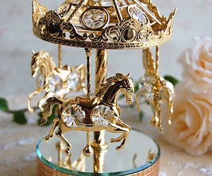 horse and gold image