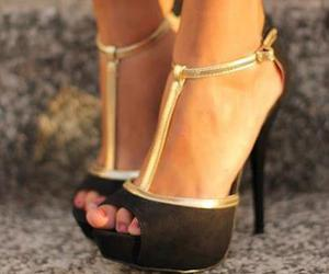 fashion, girls, and shoes image