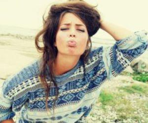 girl, kiss, and hair image