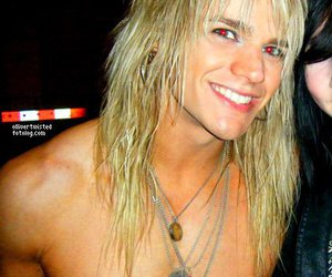crashdiet, reckless love, and olliver twisted image