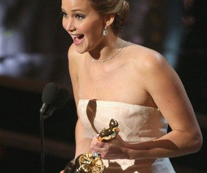 Jennifer Lawrence and oscars 2013 image
