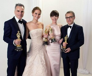 Daniel Day-Lewis, Jennifer Lawrence, and oscars anne hathaway image