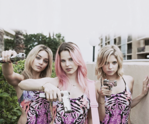 girl and spring breakers image