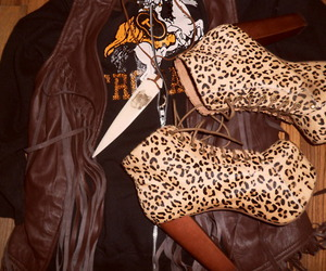 fashion, leopard, and shoes image