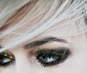 eyes, blonde, and glitter image
