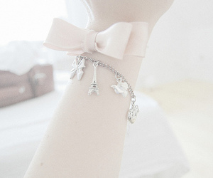 bow, eiffeltower, and jewellery image