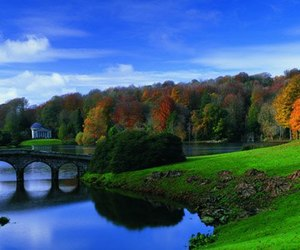 stourhead in wiltshire image