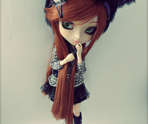 doll, fashion, and green eyes image