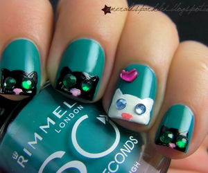 nail art and emerald sparkled image