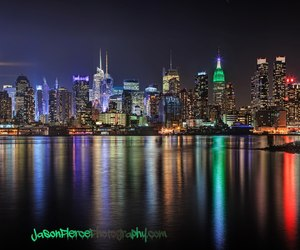 at night, empire state building, and hudson river image