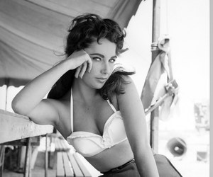 Elizabeth Taylor, vintage, and black and white image