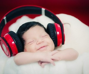 baby and music image