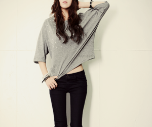 fashion, girl, and brunette image