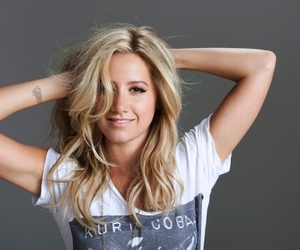 ashley tisdale and pink image