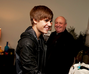 guy, heart, and justin bieber image