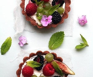 fruit tart image