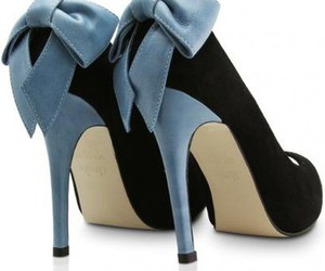 bow and shoes image