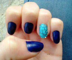 nails blue sparkle girl image