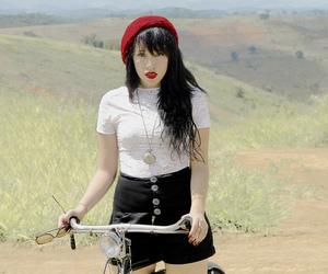 bicicleta, girl, and paris image
