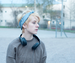 blonde, short hair, and girl image