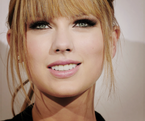 Taylor Swift and eyes image