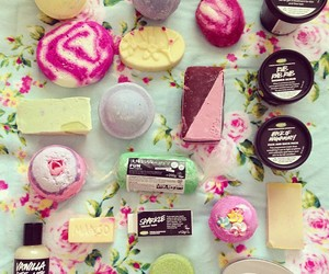 bath bombs, floral, and hair image