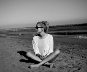 <3 and beach image