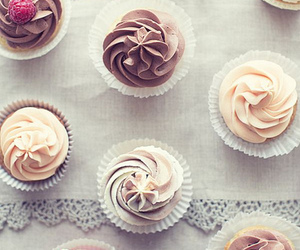 cupcake and cupcakes image