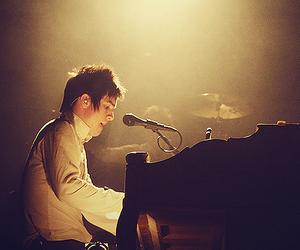 boy, piano, and Hot image