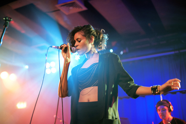 party, sing, and alunageorge image