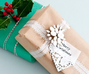 gifts and packaging image