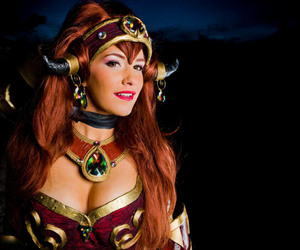 world of warcraft, wow cosplay, and alextrasza cos image